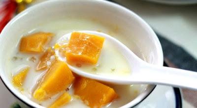 Món ăn ngon chè bí đỏ nước cốt dừa thơm lừng đã hoàn thành