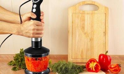 Nghiền cà chua bằng máy