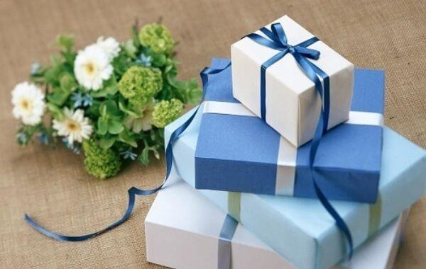 Ý nghĩa của việc tự gói quà sinh nhật đẹp