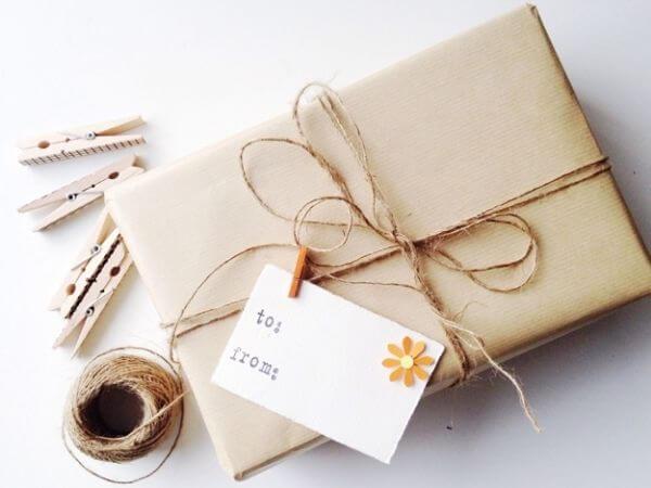 Cách gói quà bằng giấy kraft dễ thương - Cách gói quà hình vuông vức