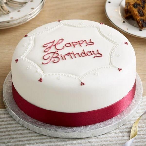 Download hình bánh sinh nhật đẹp với nền trắng